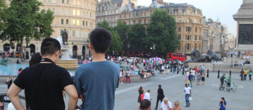 Students-in-London-860x375
